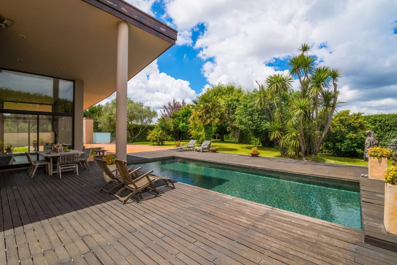 venda-de-moradia-com-piscina-terraco-e-jardim-pacos-de-ferreira