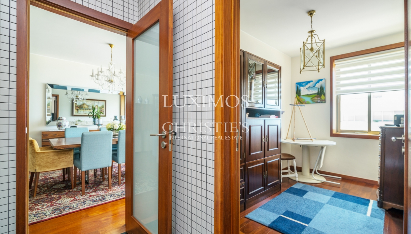 Sale of apartment in the 1st line of the sea, Leça da Palmeira, Portugal_107410