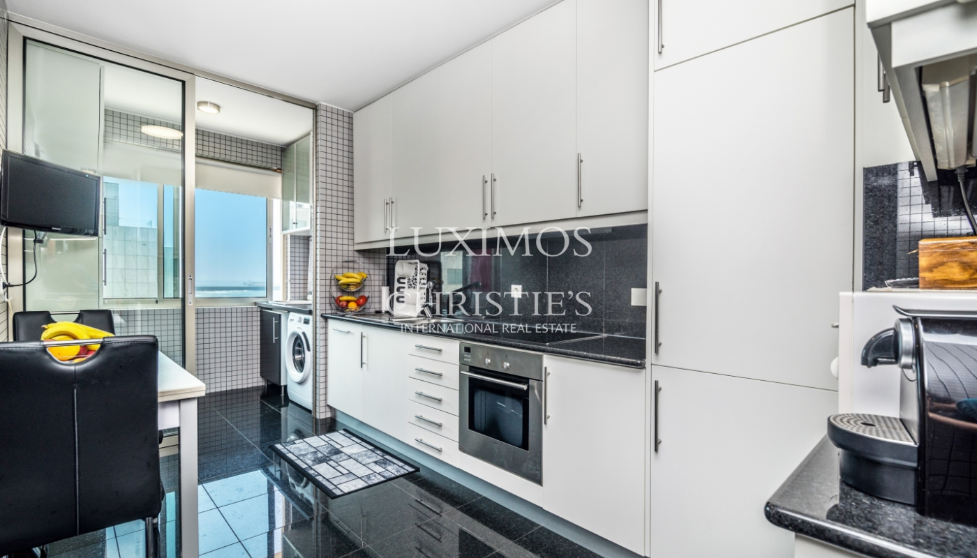 Sale of apartment in the 1st line of the sea, Leça da Palmeira, Portugal_107411