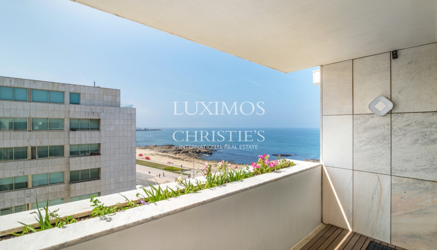 Sale of apartment in the 1st line of the sea, Leça da Palmeira, Portugal_107419