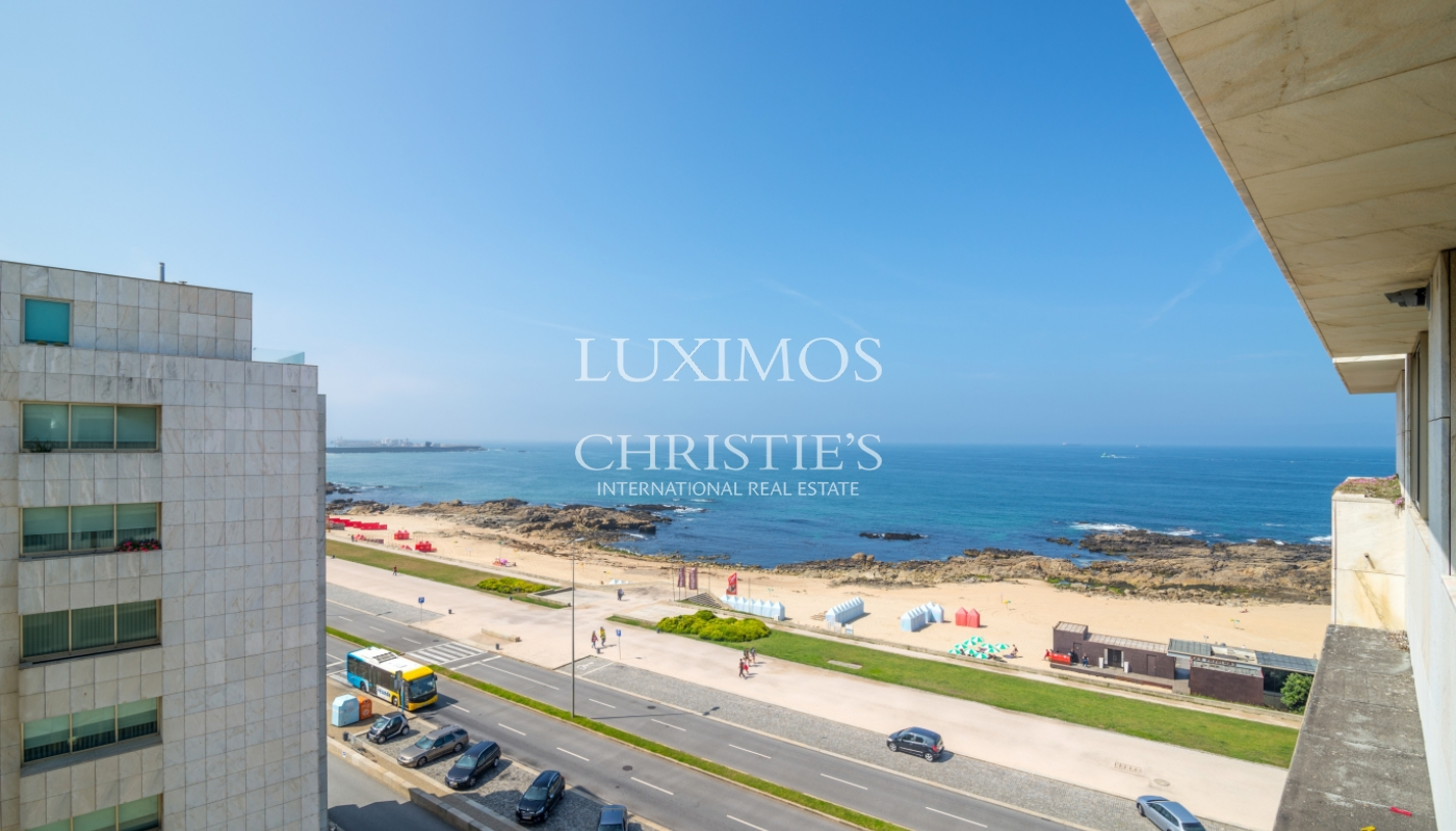 Sale of apartment in the 1st line of the sea, Leça da Palmeira, Portugal_107420