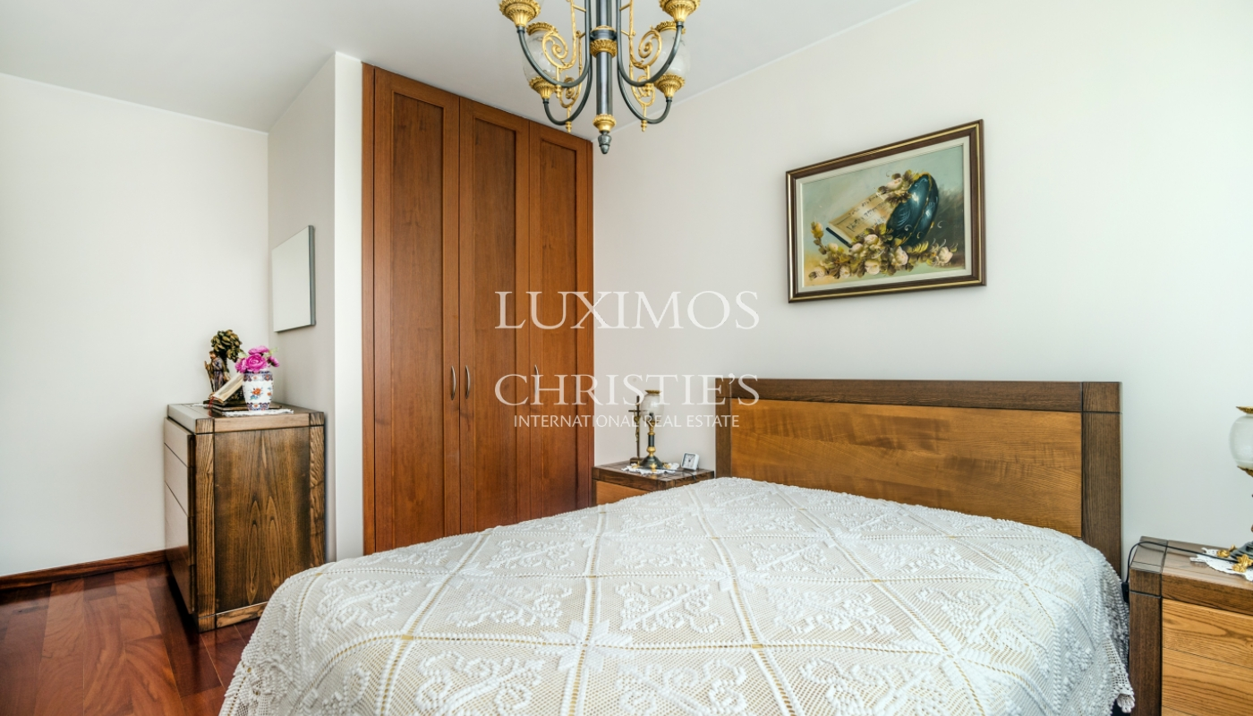 Sale of apartment in the 1st line of the sea, Leça da Palmeira, Portugal_107424