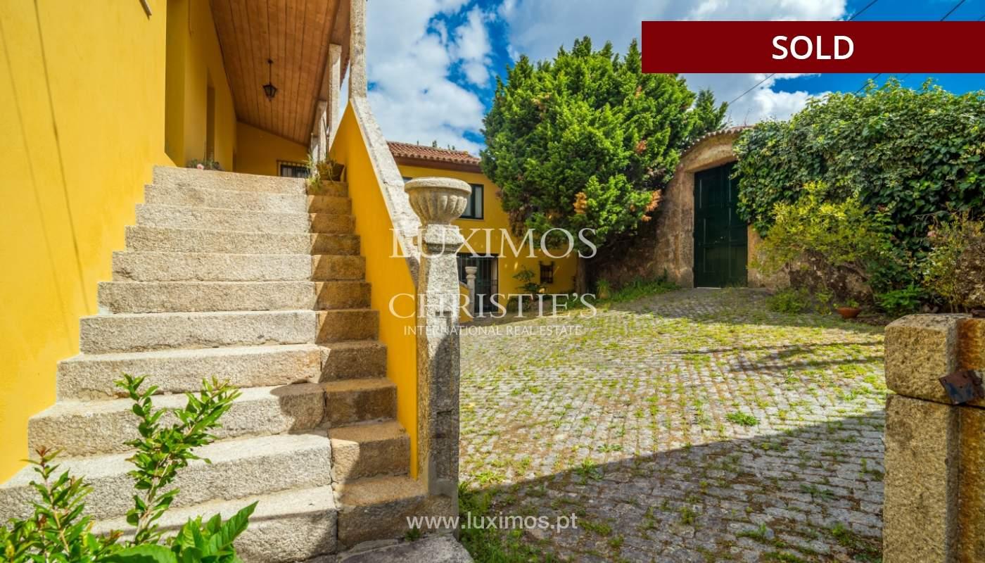 Venda de casa de campo com amplo jardim e terraço, Paços de Ferreira_108624
