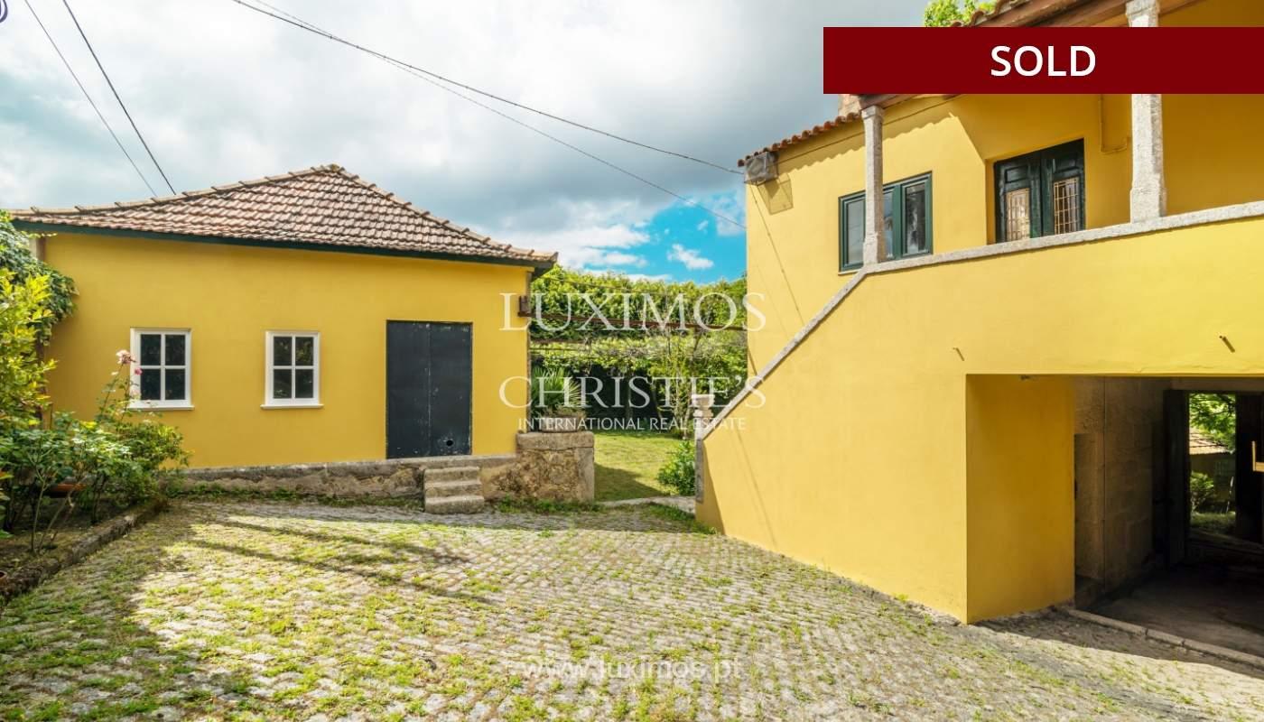 Venda de casa de campo com amplo jardim e terraço, Paços de Ferreira_108629