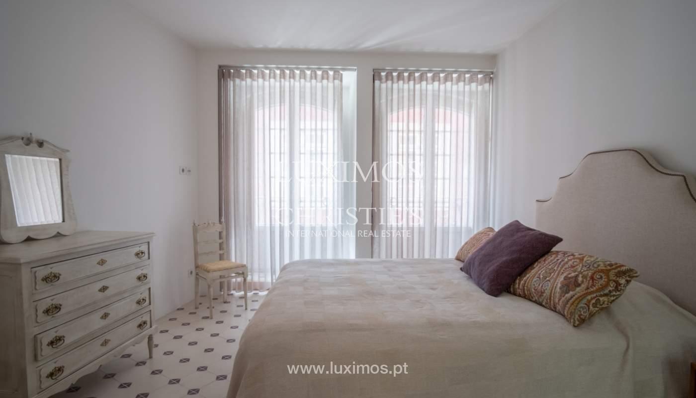 Zum Verkauf renovierte Wohnung, die Ribeira, Porto,portugal_109564
