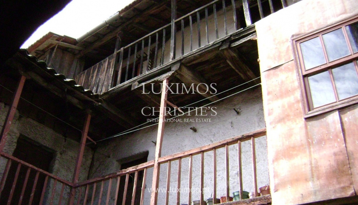 Villa for rehabilitation, with countryside and mountain views, in the North of Portugal_1103