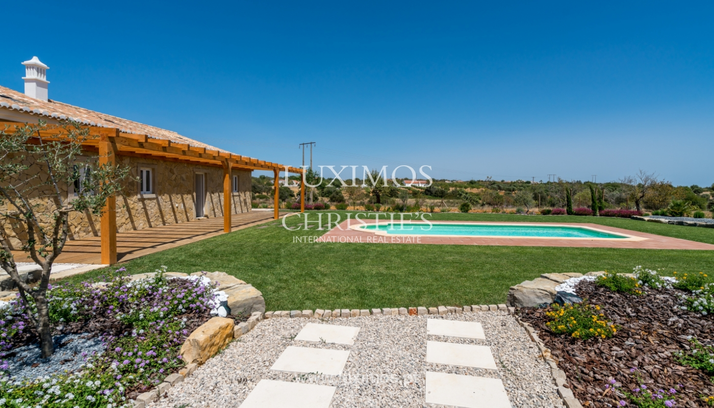 Sale of new villa with pool in Albufeira, Algarve, Portugal_110519