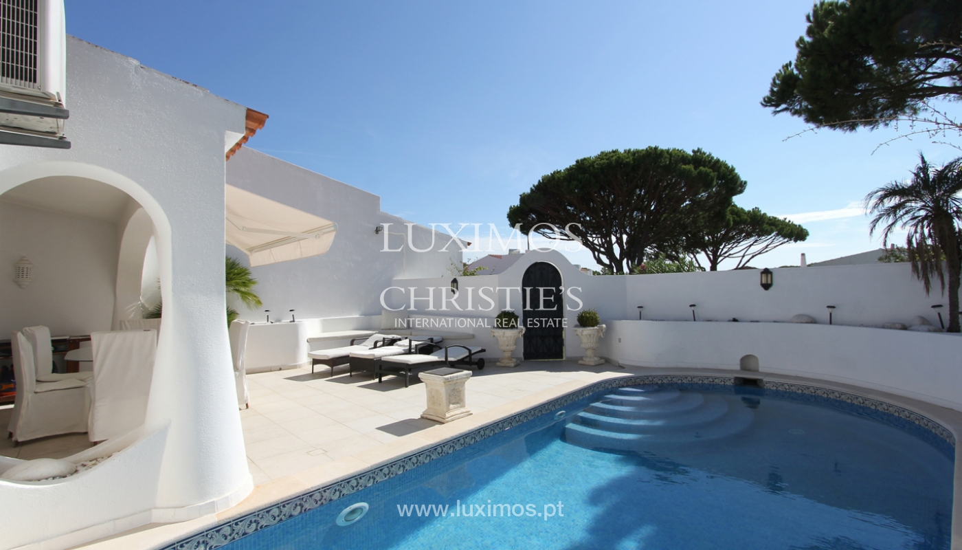 Sale of villa with pool in Vale do Lobo, Algarve, Portugal_110861
