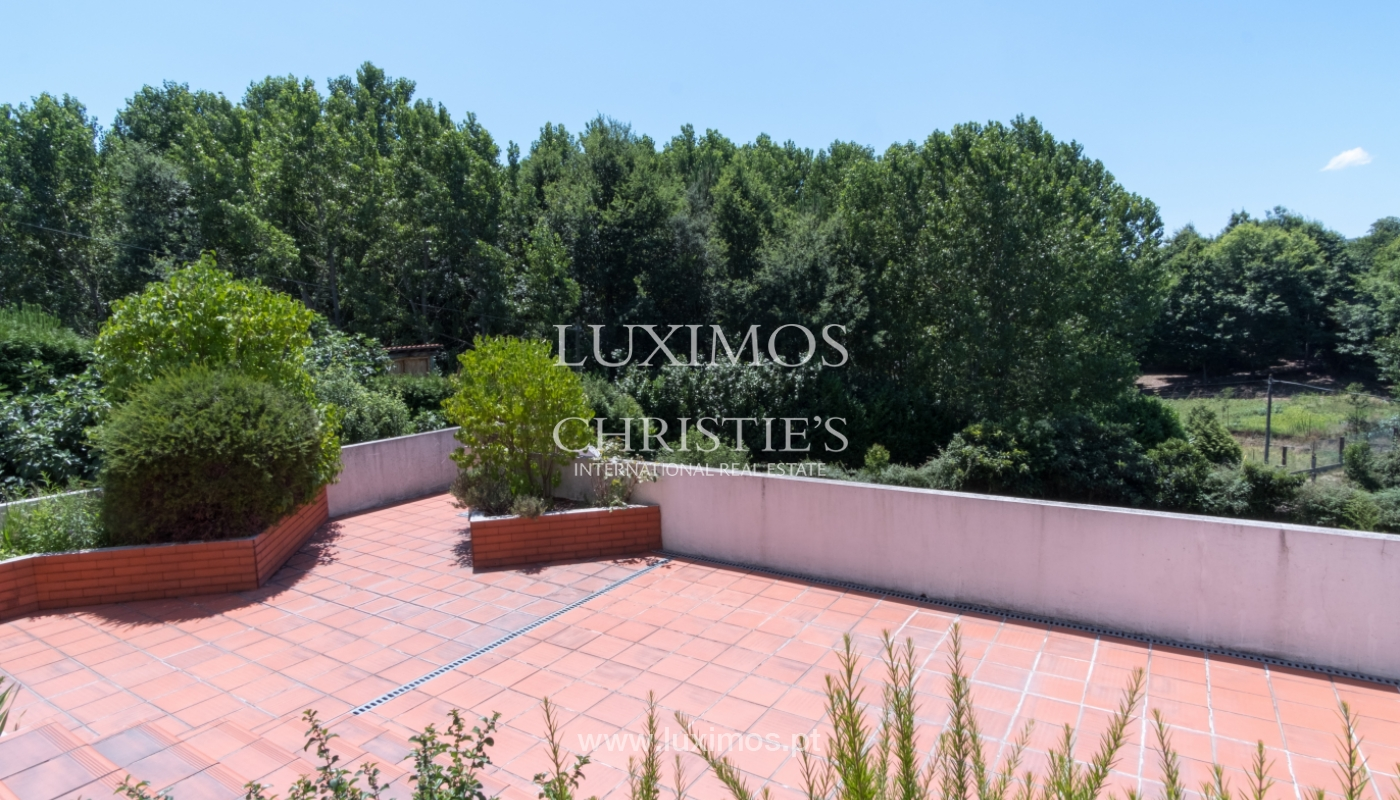 Contemporary house w/ terrace and garden, for sale, Paredes, Portugal_111293
