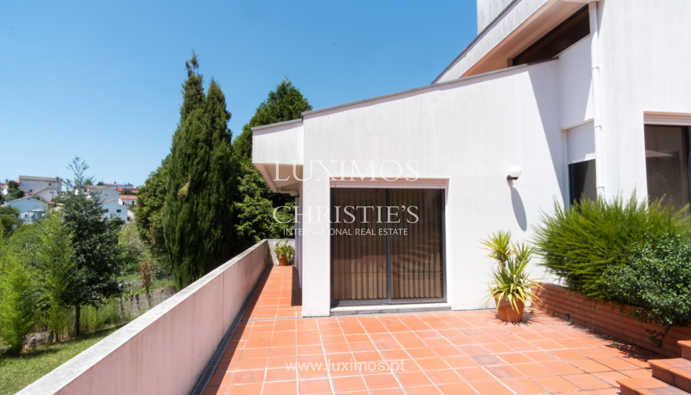 Contemporary house w/ terrace and garden, for sale, Paredes, Portugal_111294