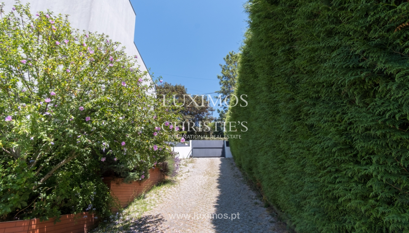 Contemporary house w/ terrace and garden, for sale, Paredes, Portugal_111296