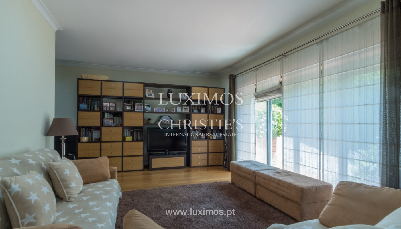 Contemporary house w/ terrace and garden, for sale, Paredes, Portugal_111300