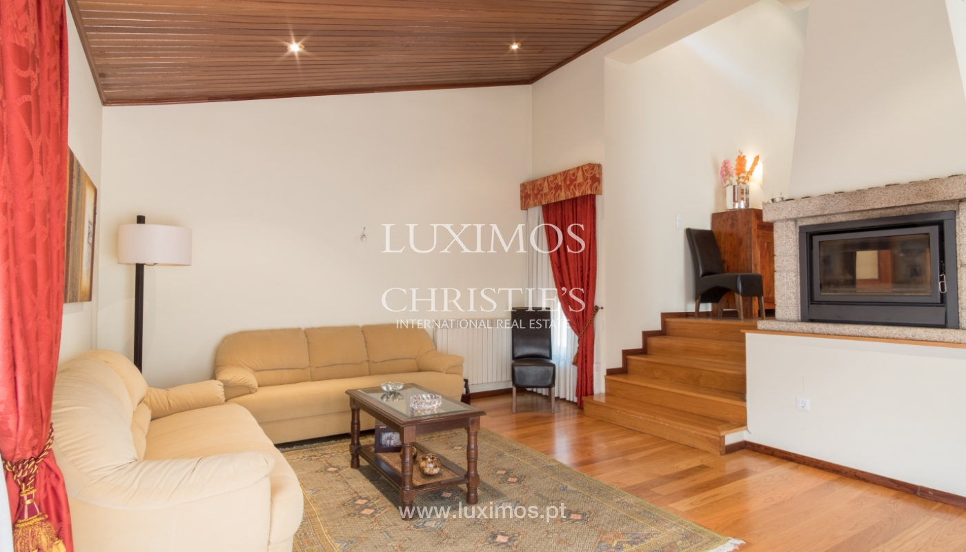 Contemporary house w/ terrace and garden, for sale, Paredes, Portugal_111301