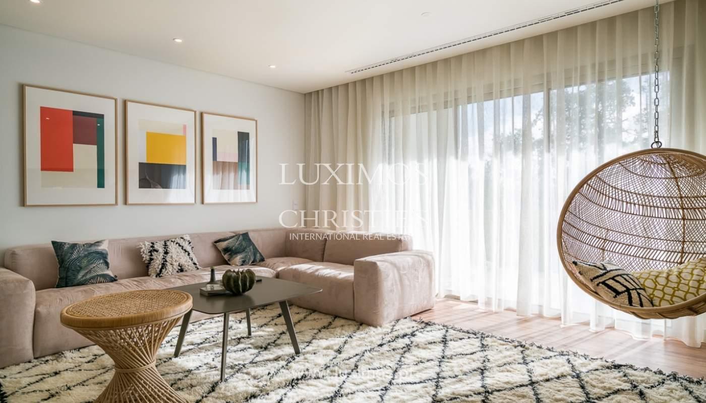 Apartamento novo para venda com vista mar em Quarteira, Algarve_111361