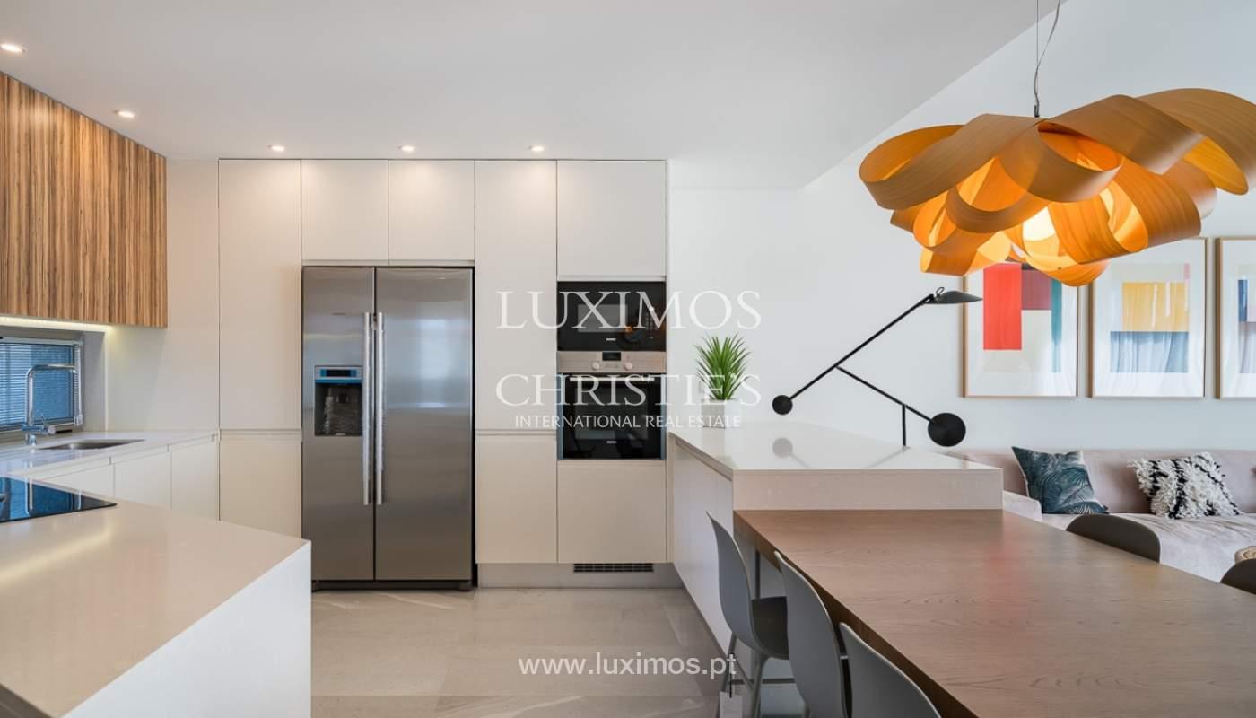 Apartamento novo para venda com vista mar em Quarteira, Algarve_111364