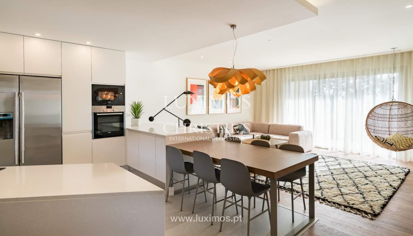 Apartamento novo para venda com vista mar em Quarteira, Algarve_111365