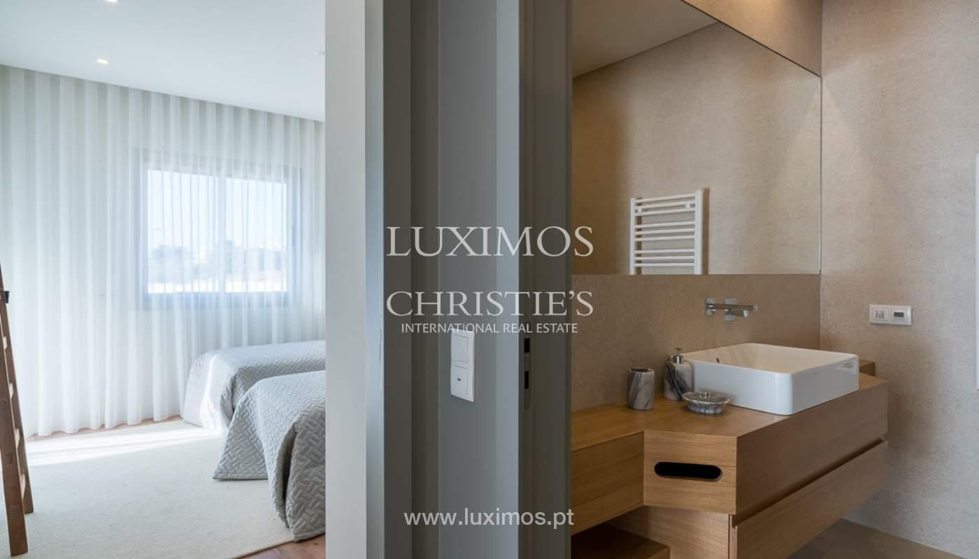 Apartamento novo para venda com vista mar em Quarteira, Algarve_111370