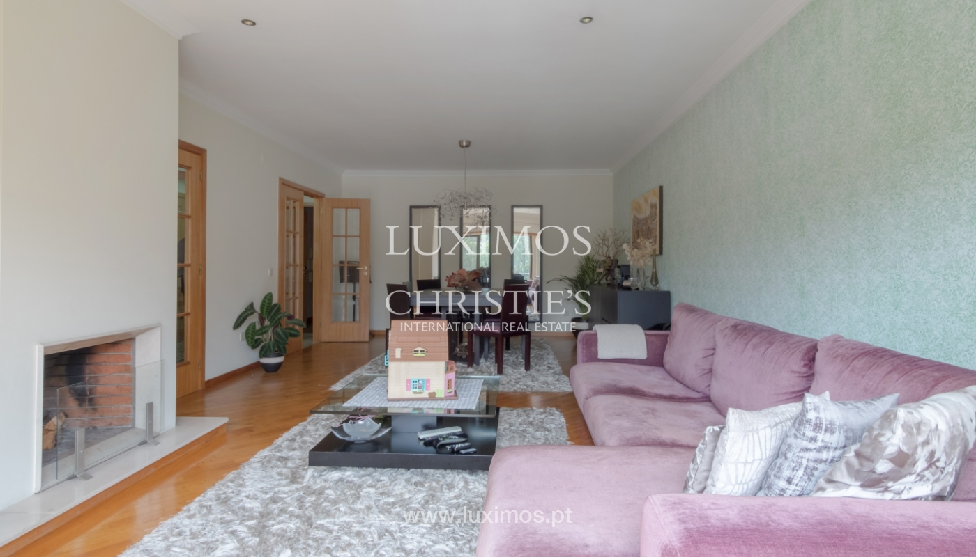 Apartamento con balcón, en una urbanización cerrada, Vila Nova de Gaia, Portugal_111554