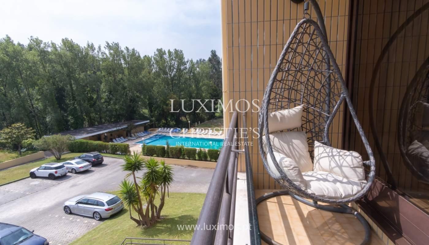 Apartamento con balcón, en una urbanización cerrada, Vila Nova de Gaia, Portugal_111555