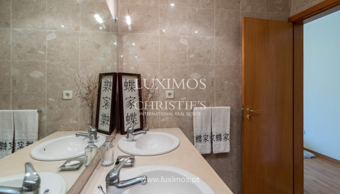 Apartamento con balcón, en una urbanización cerrada, Vila Nova de Gaia, Portugal_111558