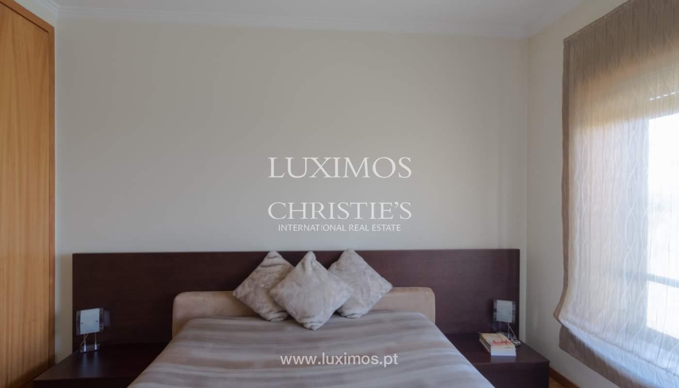 Apartamento con balcón, en una urbanización cerrada, Vila Nova de Gaia, Portugal_111559