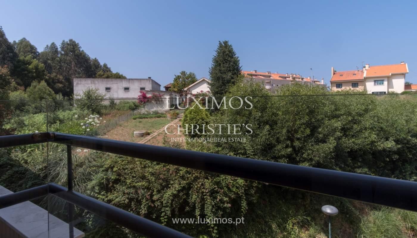 Apartamento con balcón, en una urbanización cerrada, Vila Nova de Gaia, Portugal_111561