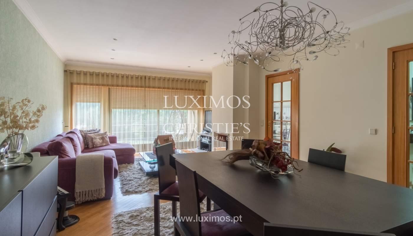 Apartamento con balcón, en una urbanización cerrada, Vila Nova de Gaia, Portugal_111567
