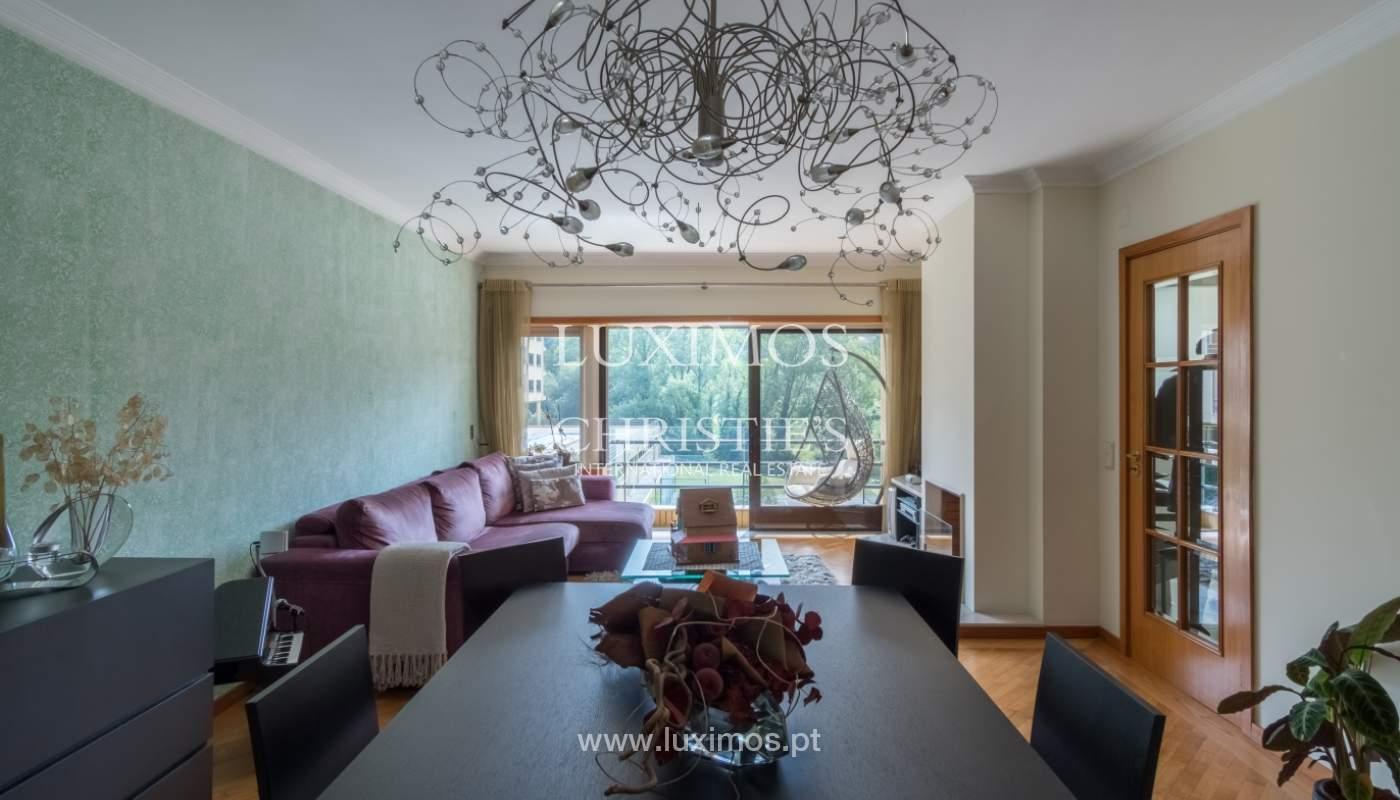 Apartamento con balcón, en una urbanización cerrada, Vila Nova de Gaia, Portugal_111570