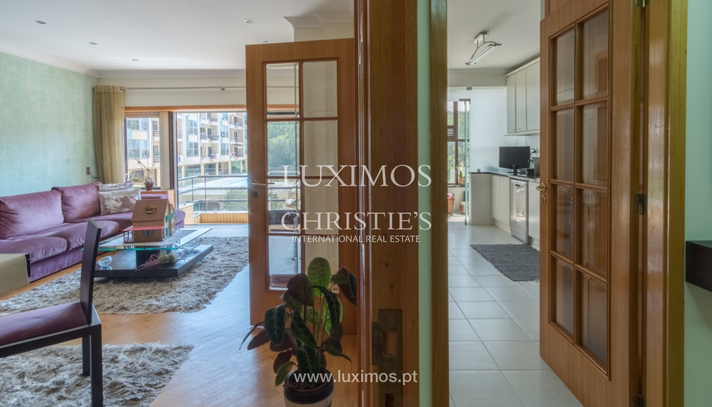 Apartamento con balcón, en una urbanización cerrada, Vila Nova de Gaia, Portugal_111573