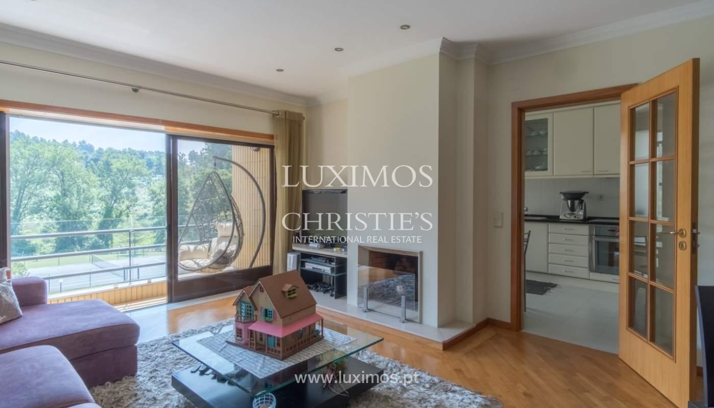 Apartamento con balcón, en una urbanización cerrada, Vila Nova de Gaia, Portugal_111575