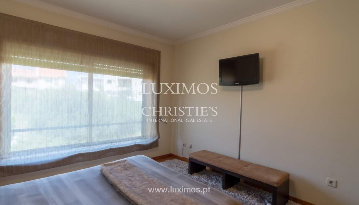 Apartamento con balcón, en una urbanización cerrada, Vila Nova de Gaia, Portugal_111576