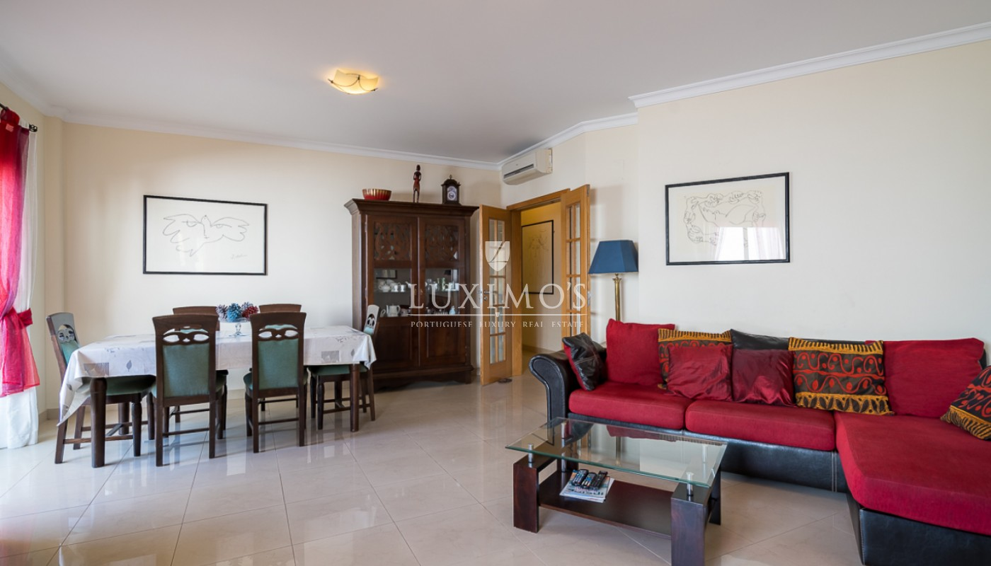 Sale of modern apartment with pool in Lagos, Algarve, Portugal_111611