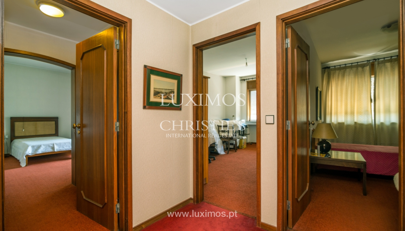 Sale: apartment w/ 3 fronts and views to City Park, Porto, Portugal_111987