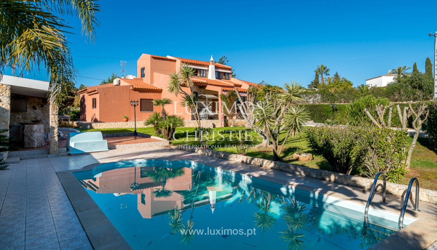 Sale of villa with pool in Portimão, Algarve, Portugal_112326