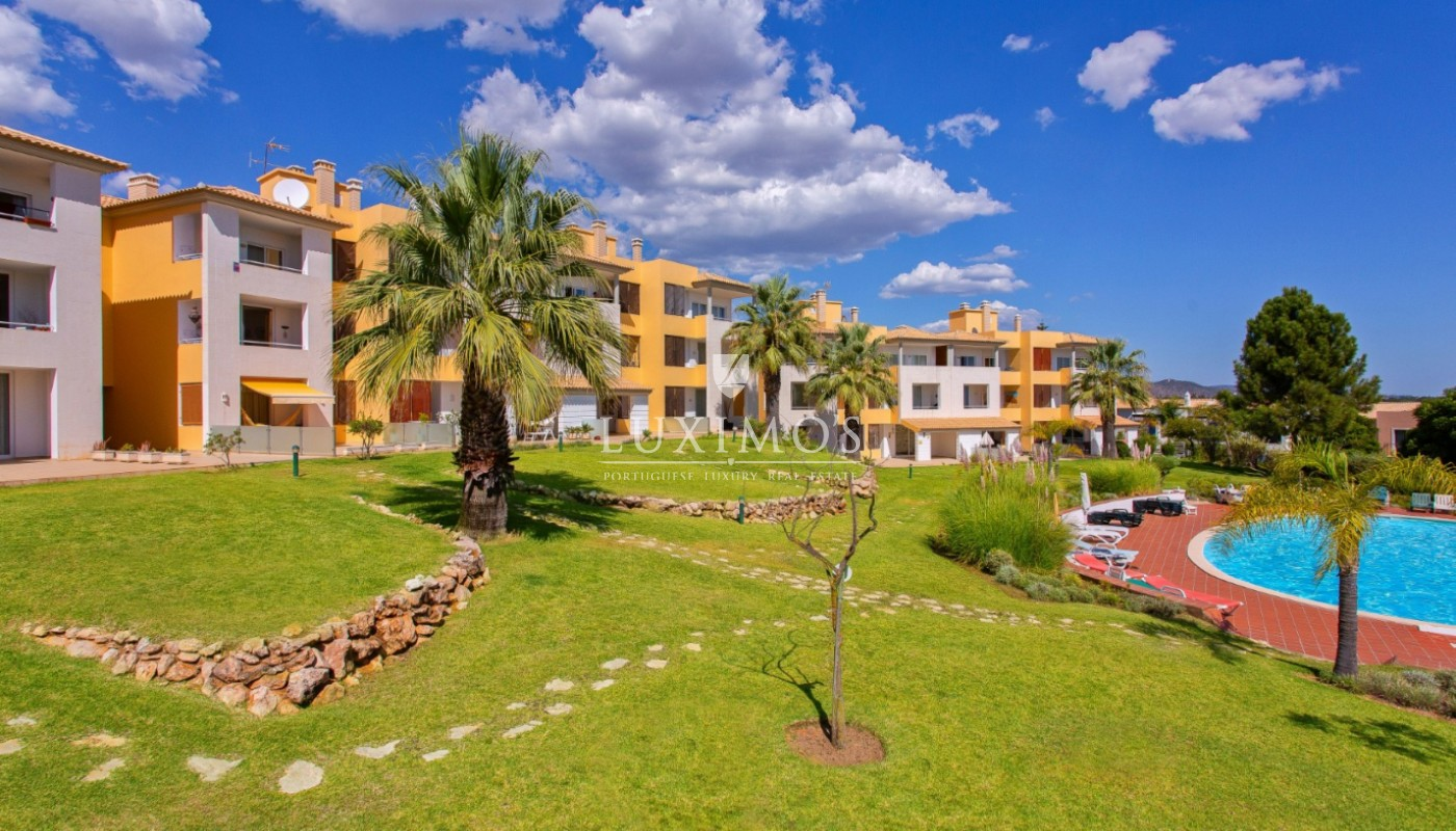 Sale of apartment close to golf course in Vilamoura, Algarve, Portugal_112898