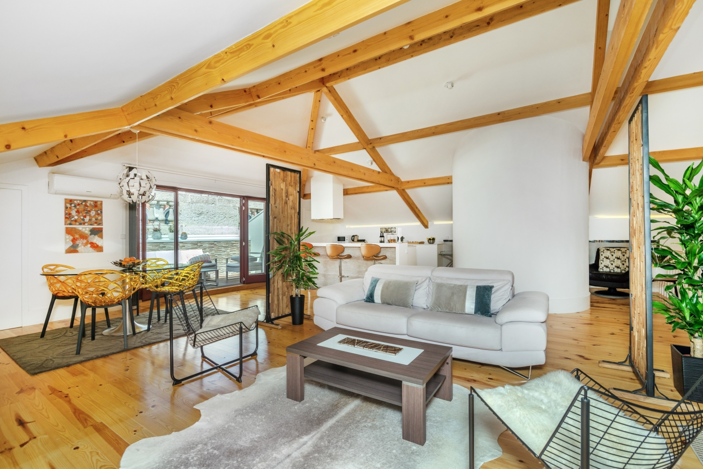 sale-of-a-luxury-penthouse-as-new-with-a-terrace-porto-portugal