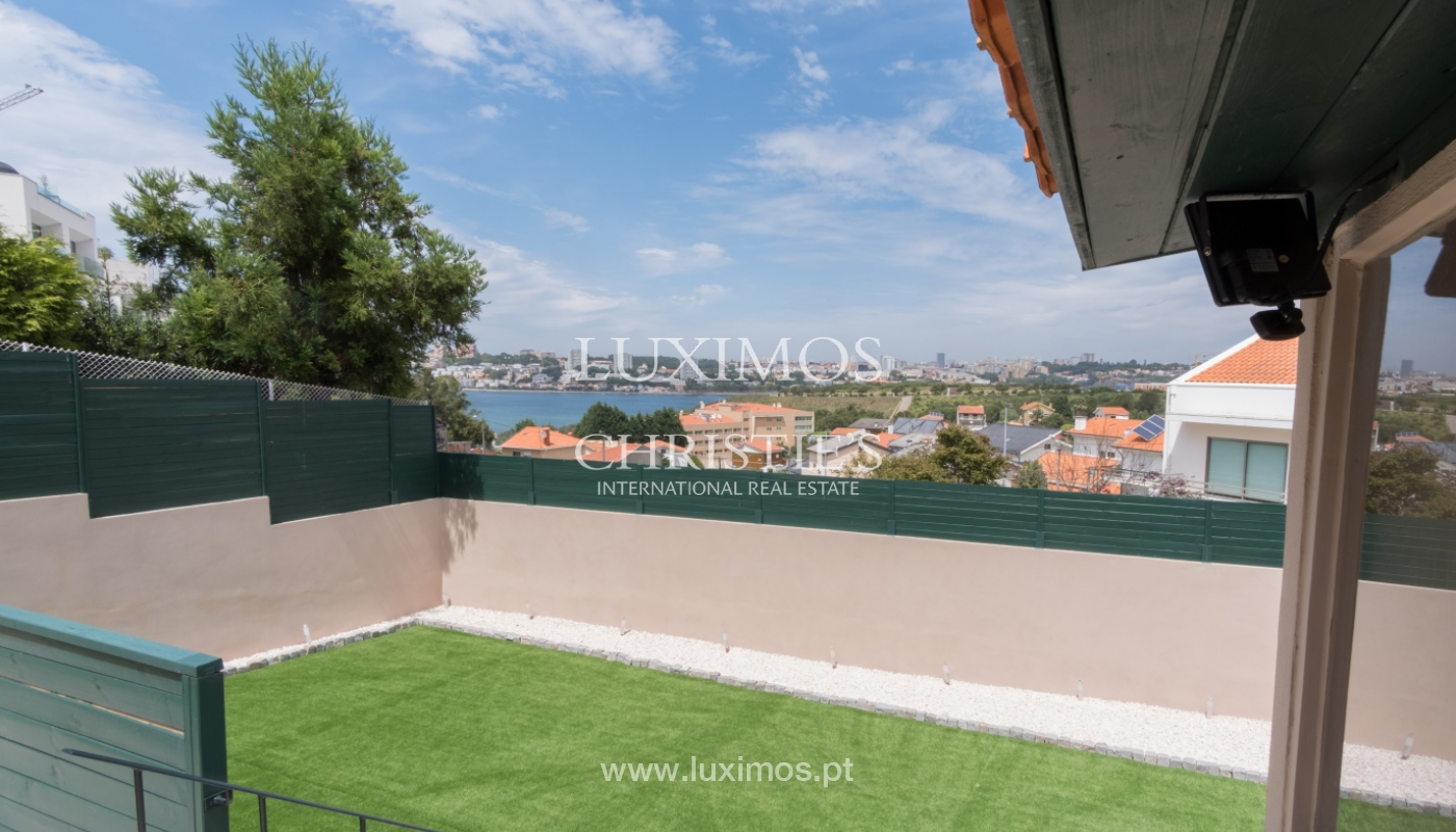 Sale of house with wonderful views to the sea and Porto, V. N. Gaia, Portugal_113272