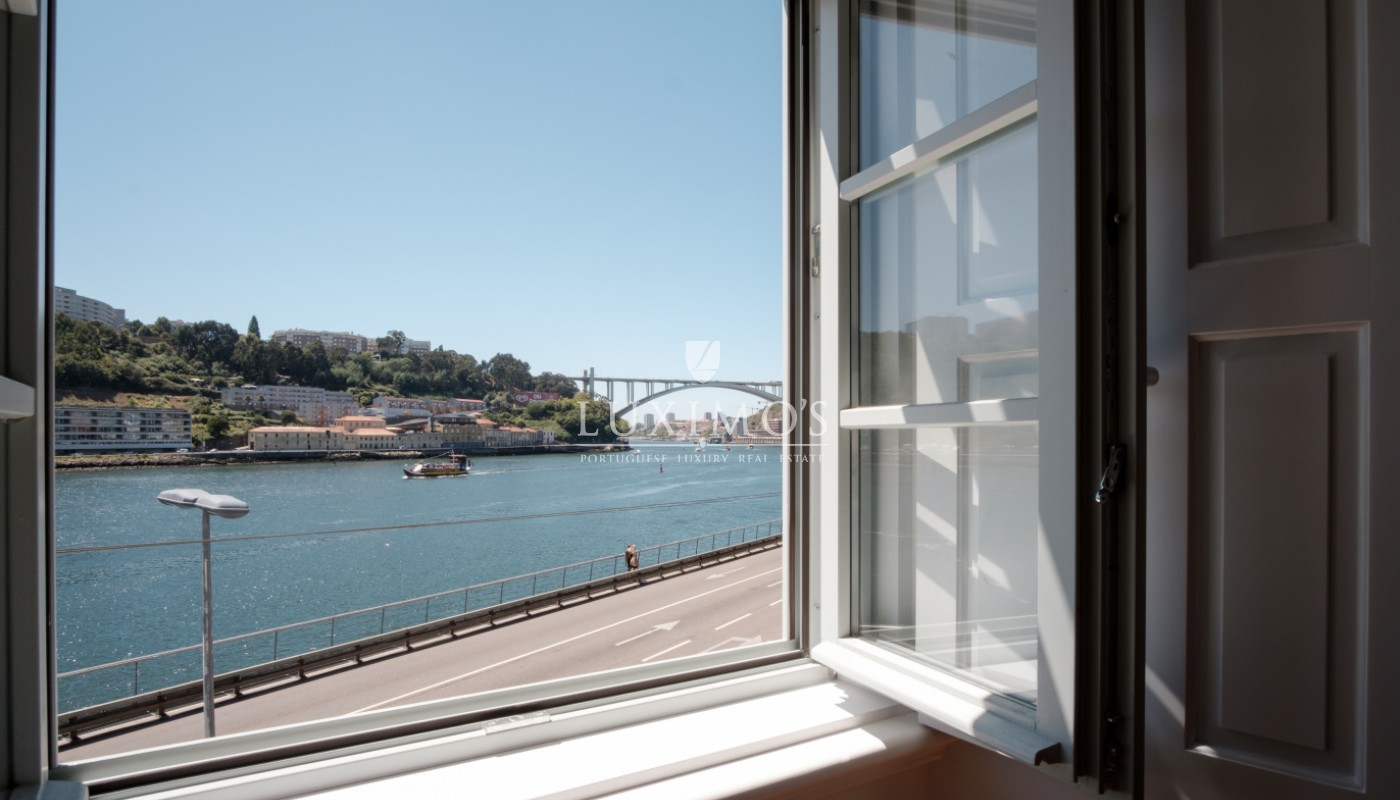 Sale of apartment with balcony and fantastic river view, Porto, Portugal_113328