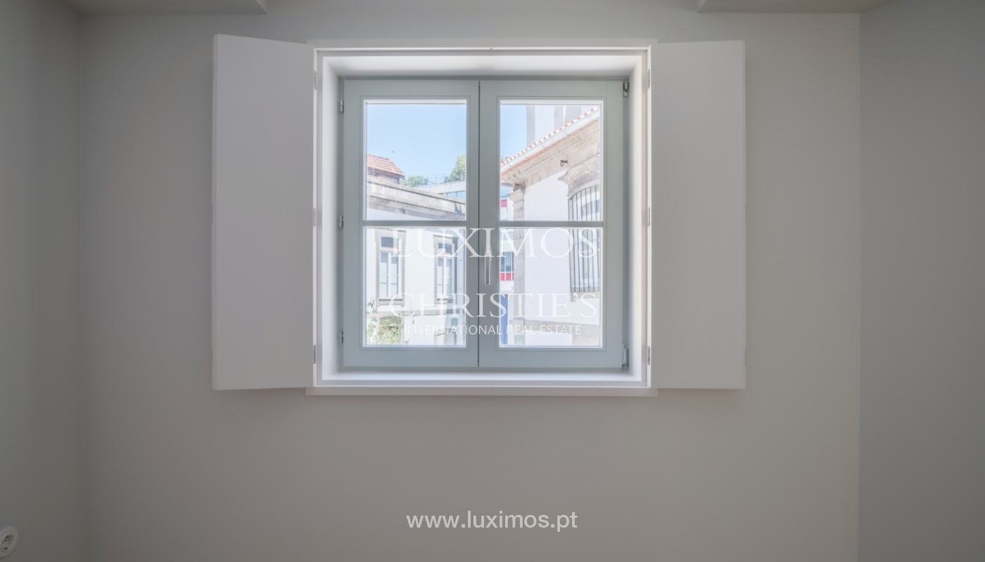 Sale of apartment with fantastic river view, Porto, Portugal_113347