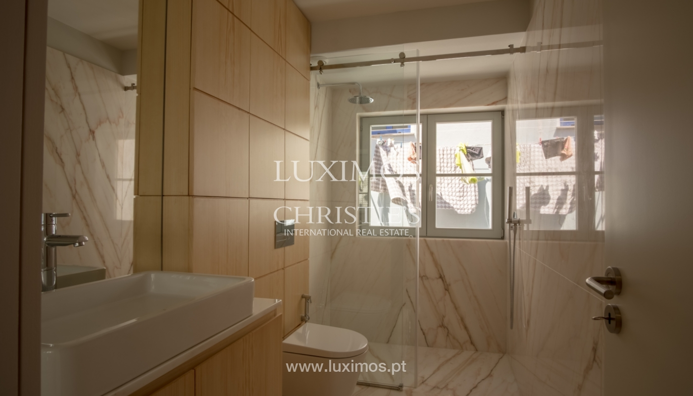 Sale of apartment with fantastic river view, Porto, Portugal_113350