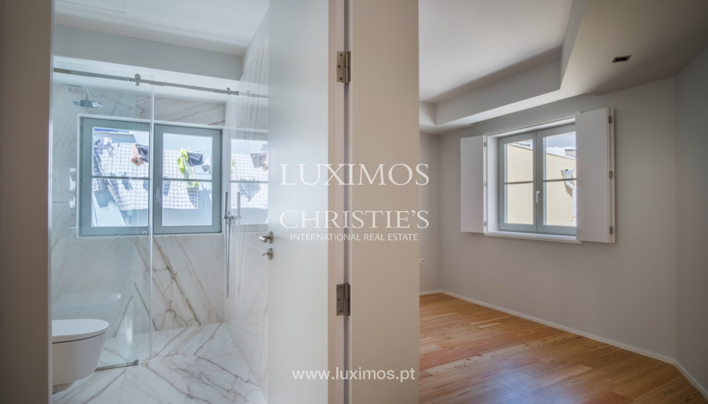 Sale of apartment with fantastic river view, Porto, Portugal_113352