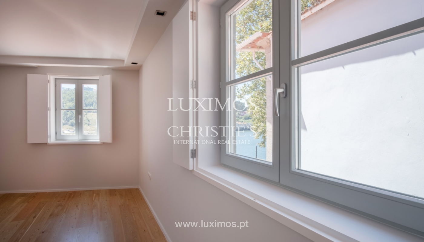 Sale of apartment with fantastic river view, Porto, Portugal_113354
