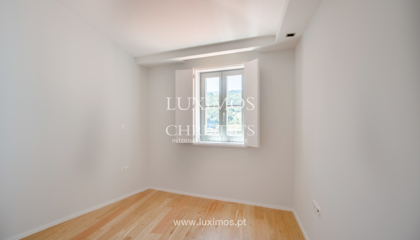 Sale of apartment with fantastic river view, Porto, Portugal_113355