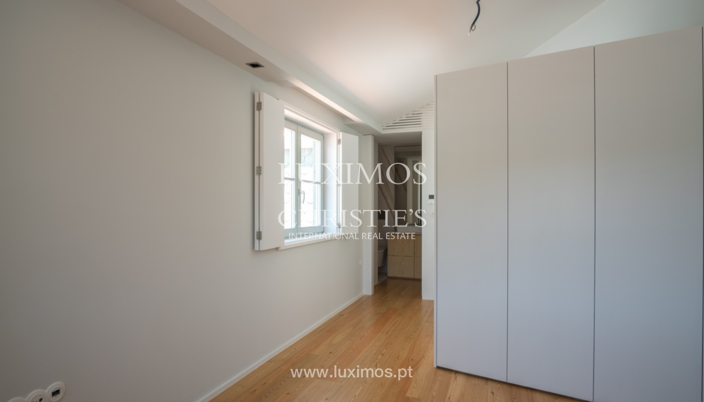 Sale of apartment with fantastic river view, Porto, Portugal_113356