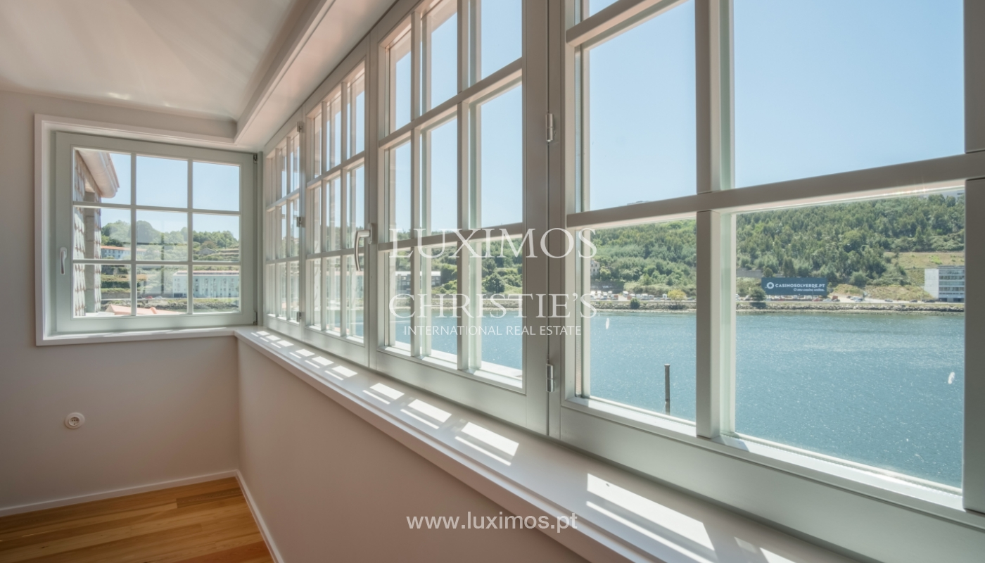 Sale of apartment with fantastic river view, Porto, Portugal_113359