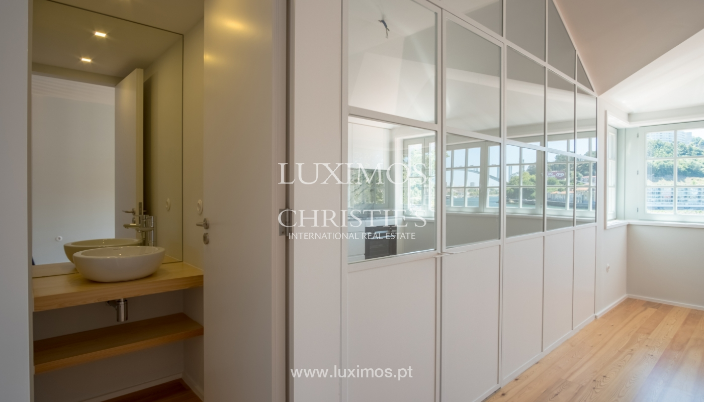 Sale of apartment with fantastic river view, Porto, Portugal_113362