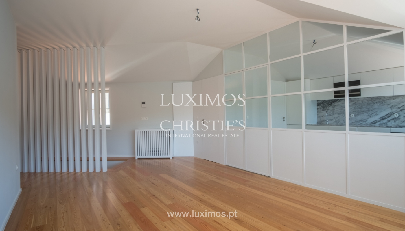 Sale of apartment with fantastic river view, Porto, Portugal_113364