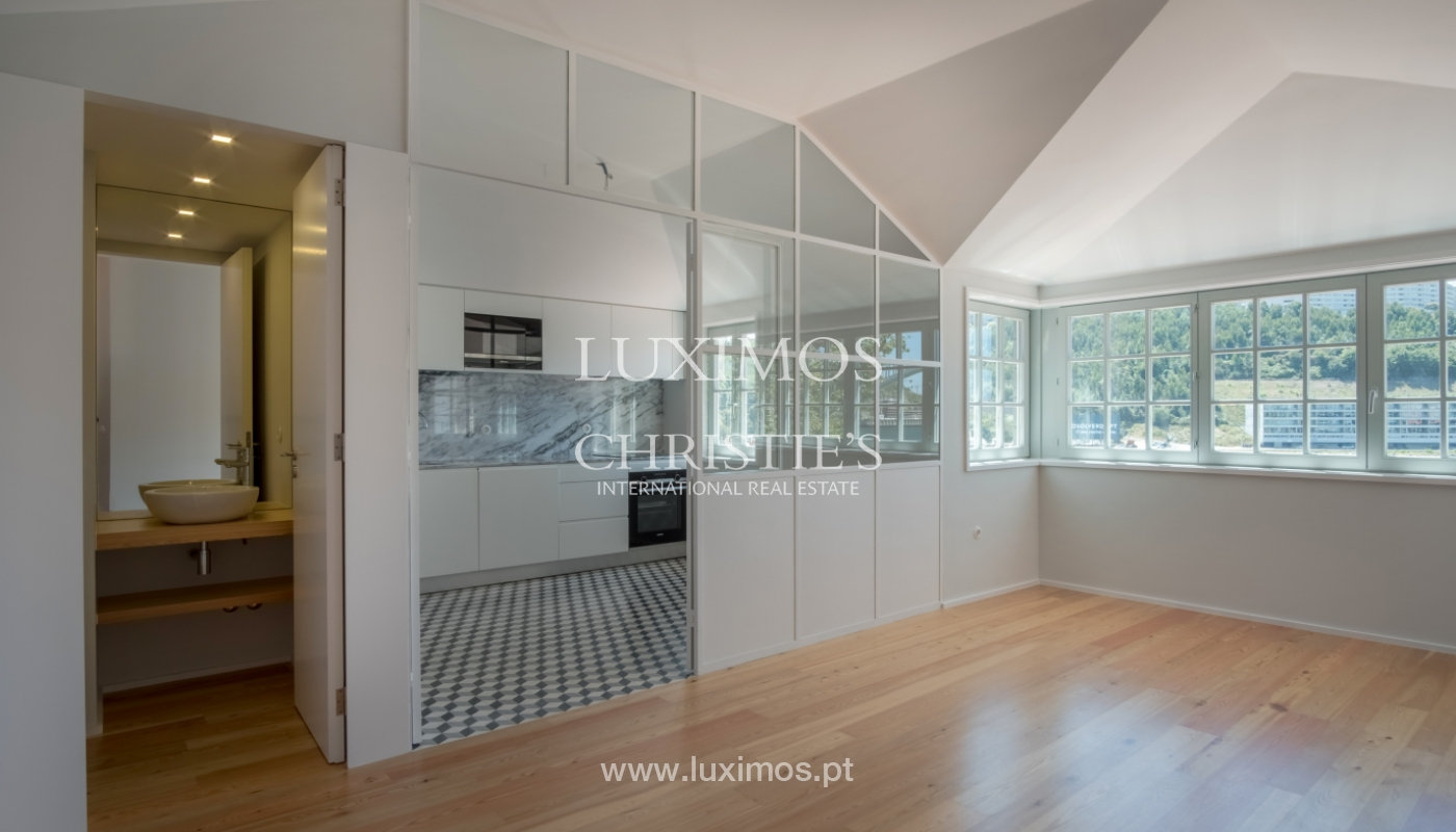 Sale of apartment with fantastic river view, Porto, Portugal_113365