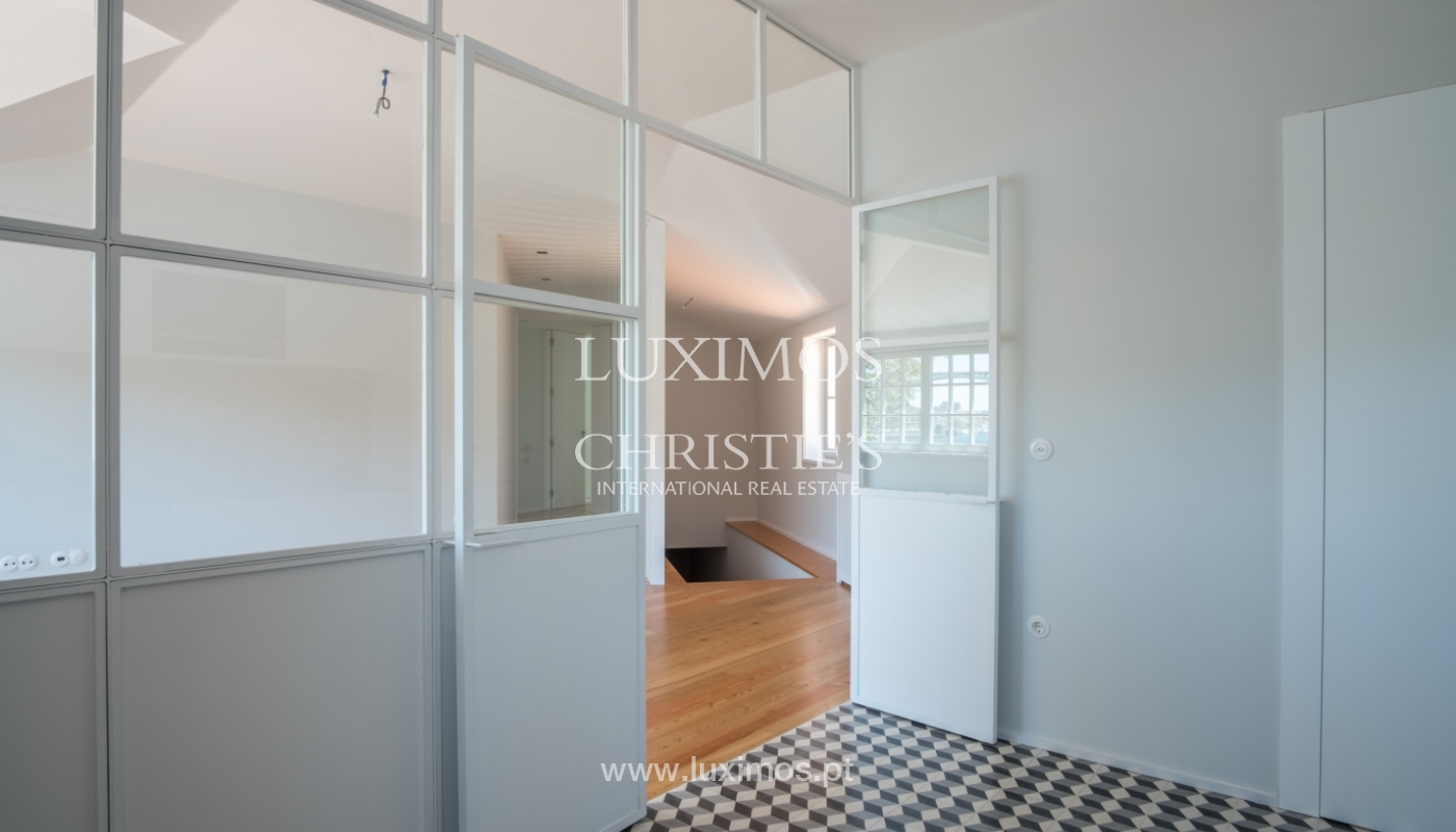 Sale of apartment with fantastic river view, Porto, Portugal_113370