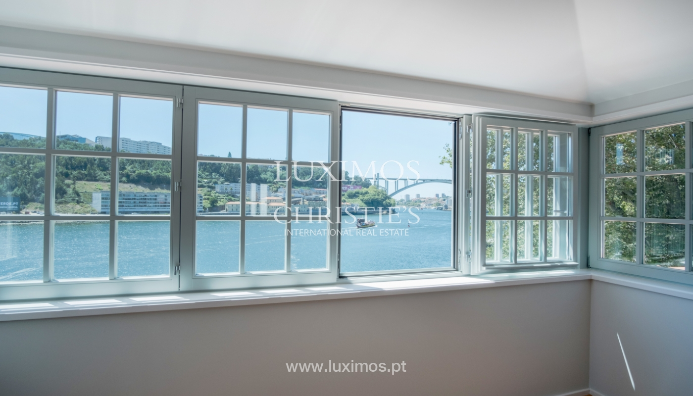 Sale of apartment with fantastic river view, Porto, Portugal_113372